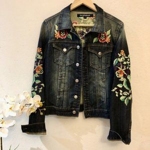Driftwood, NWT, Embroidered Jeans Jacket SZ L